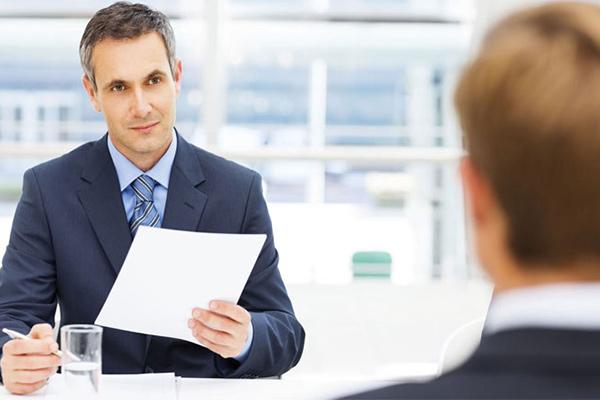 •چه سوالاتی در استخدام بپرسیم؟ بخش سوم: مناسبترين افراد را انتخاب كنيد.